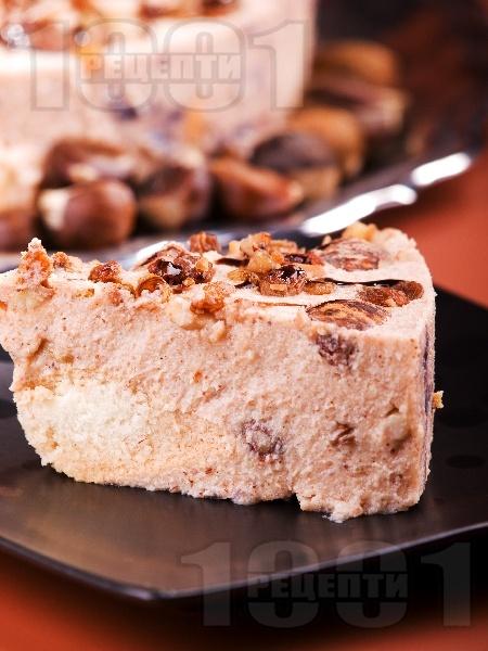 Домашна парфе торта с кестени, стафиди (сушени плодове), сладкарска сметана, бишкоти и ликьор амарето за десерт - снимка на рецептата
